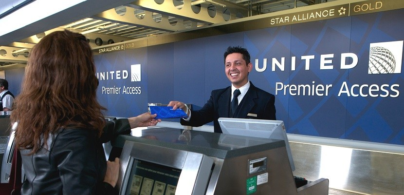 United Airlines Mileage Plus >> United Airlines customer service, headquarters and phone ...